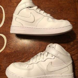 Nike Shoes -  <table cellpadding=